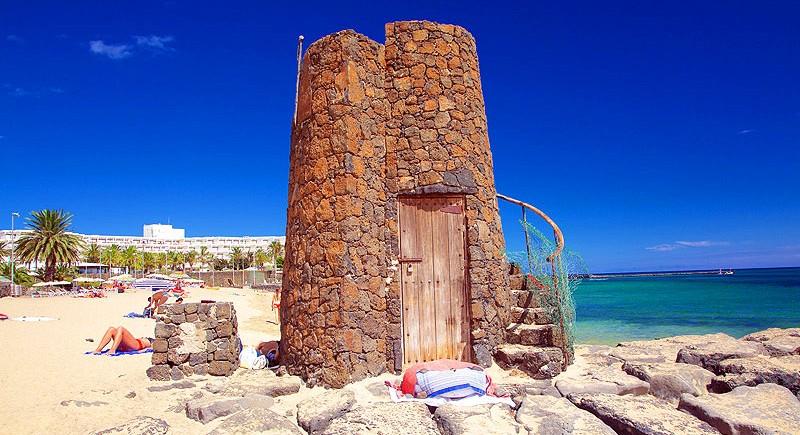 costateguise-Las-Cucharas-Beach